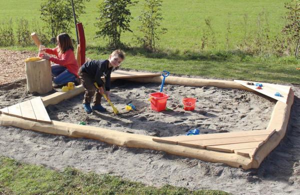 Sandkasten Robinien Natur Schwelle 3/3 m