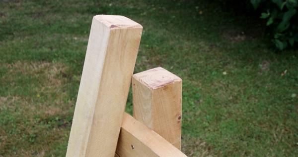 Robinienholz Pfähle gesägt 6/6 & 8/8 cm