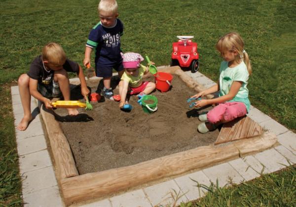 Sandkasten LISA 150/150 Robinienholz